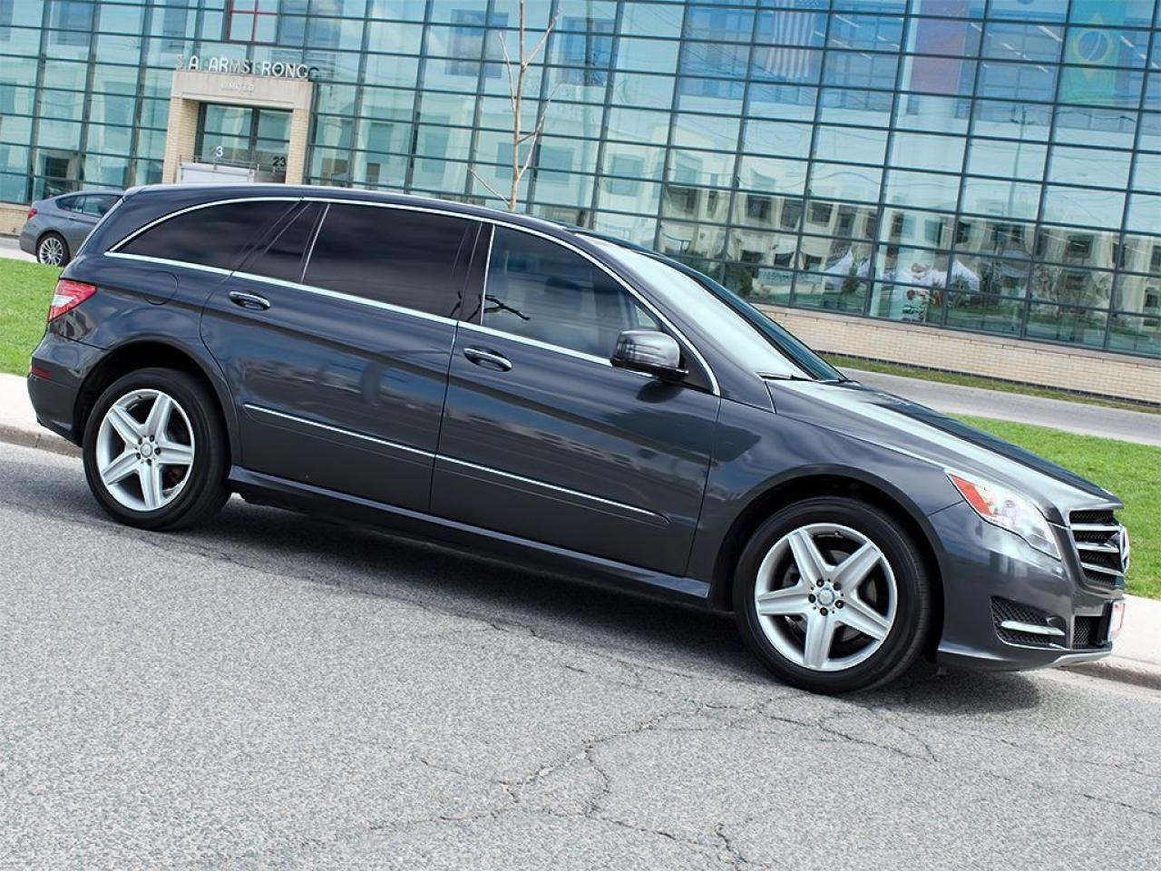 Photo of Dark Grey Metallic 2013 Mercedes-Benz R 350