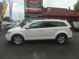 Used 2011 Dodge Journey SXT / 7 PASSENGER / ALLOYS / SUNROOF / POWER GROUP for sale in Scarborough, ON
