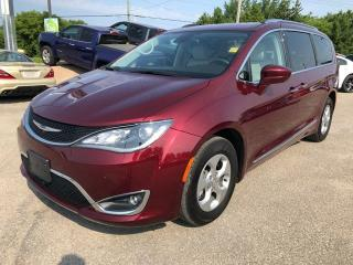 Used 2017 Chrysler Pacifica Touring-L Plus for sale in Smiths Falls, ON