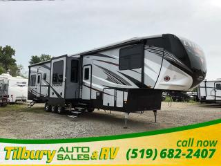 New 2019 HEARTLAND Cyclone 4005 HD TOY HAULER FIFTH WHEEL for sale in Tilbury, ON