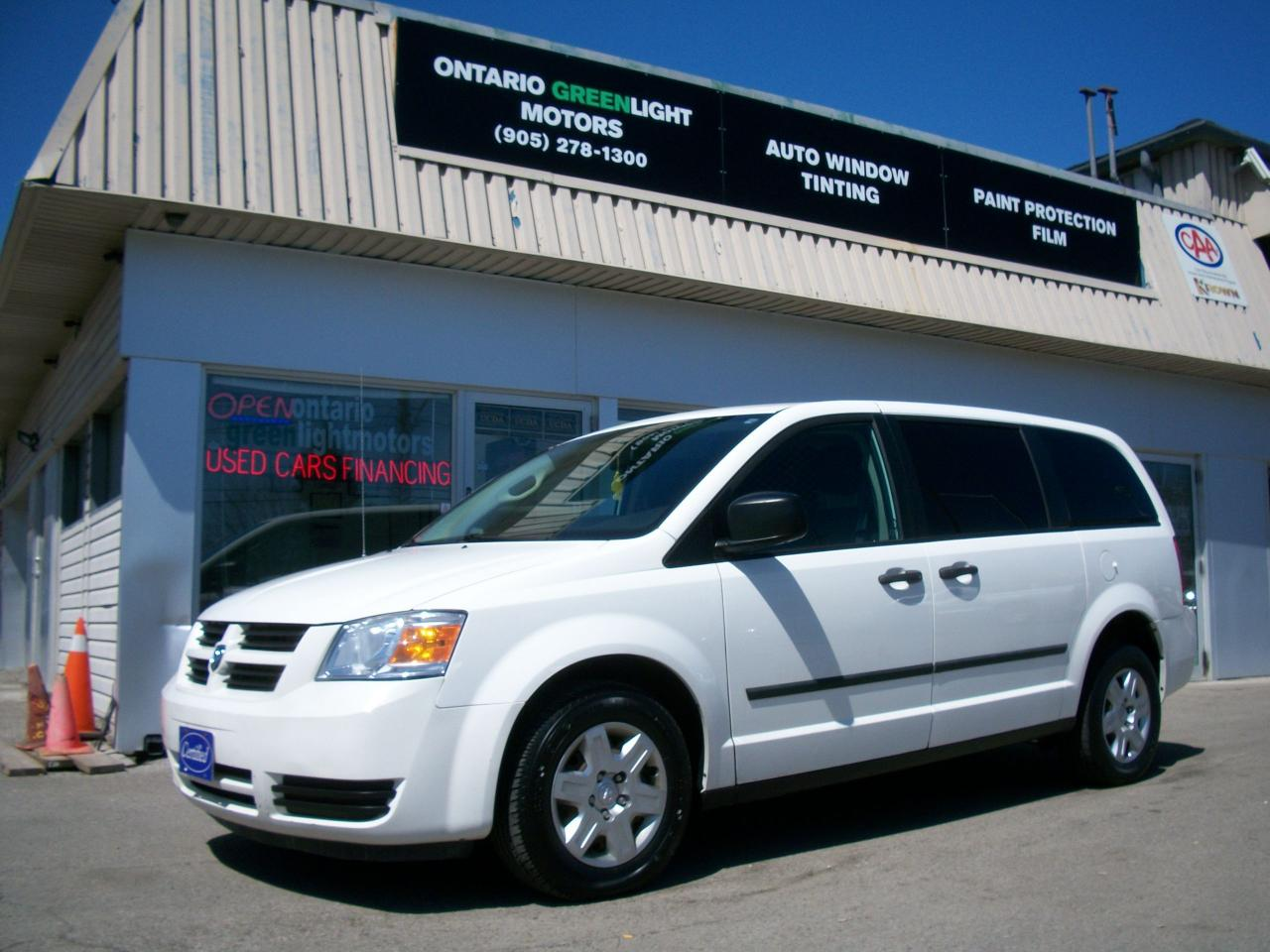 Photo of White 2010 Dodge Grand Caravan