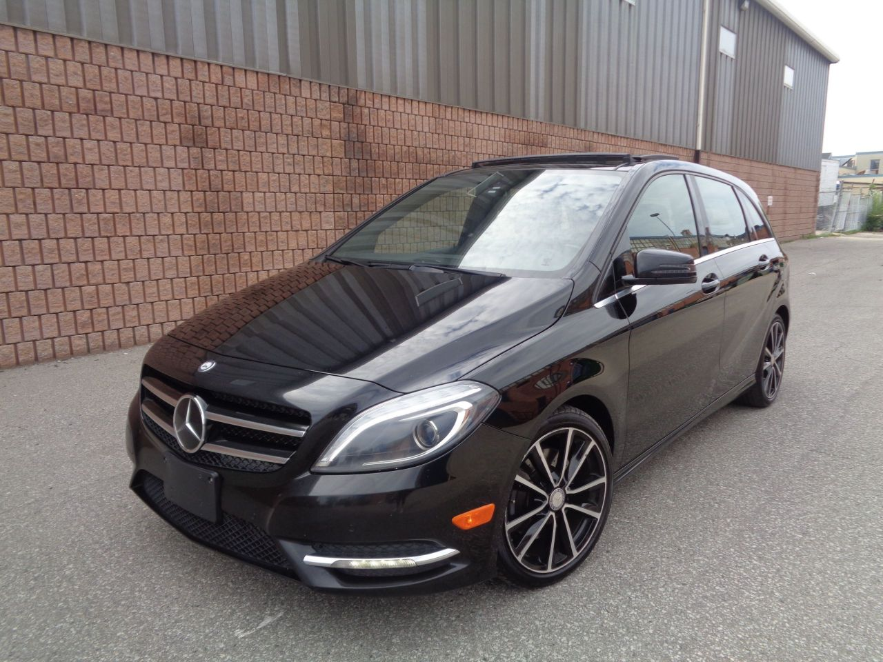 2014 Mercedes-Benz B250 ***SOLD***