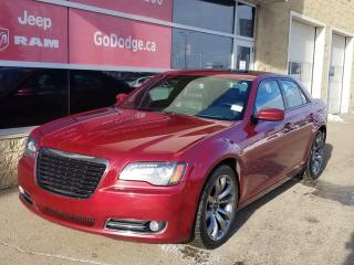 Used 2014 Chrysler 300 300S / Panoramic Sunroof / Garmin Navigation for sale in Edmonton, AB