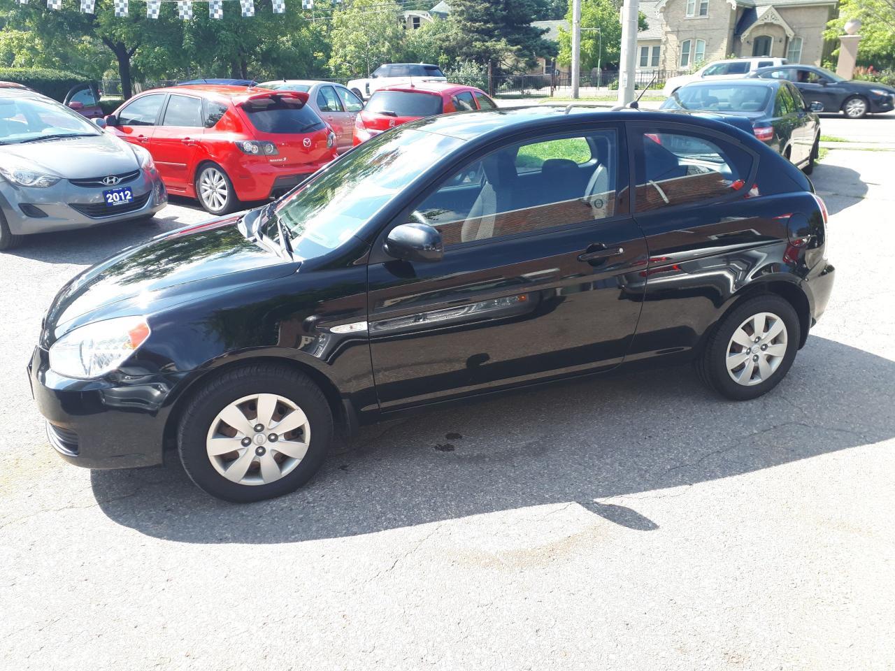 2010 Hyundai Accent GL w/Sport Pkg