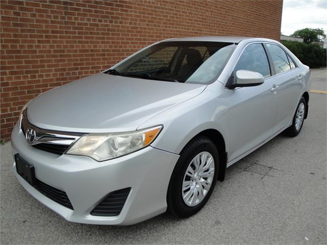 2012 Toyota Camry LE/ONE OWNER