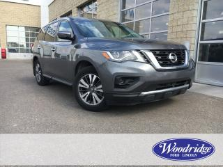 Used 2017 Nissan Pathfinder V6, 4WD, 7 PASSENGER, CLOTH SEATS, NO ACCIDENTS. for sale in Calgary, AB
