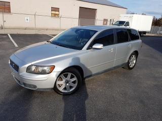 Used 2006 Volvo V50 2.4L Auto w/Sunroof for sale in Oakville, ON