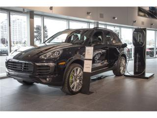 Used 2017 Porsche Cayenne S E-Hybride Premium for sale in Laval, QC