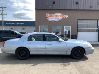 Used 2006 Lincoln Town Car Signature Limited for sale in Stettler, AB