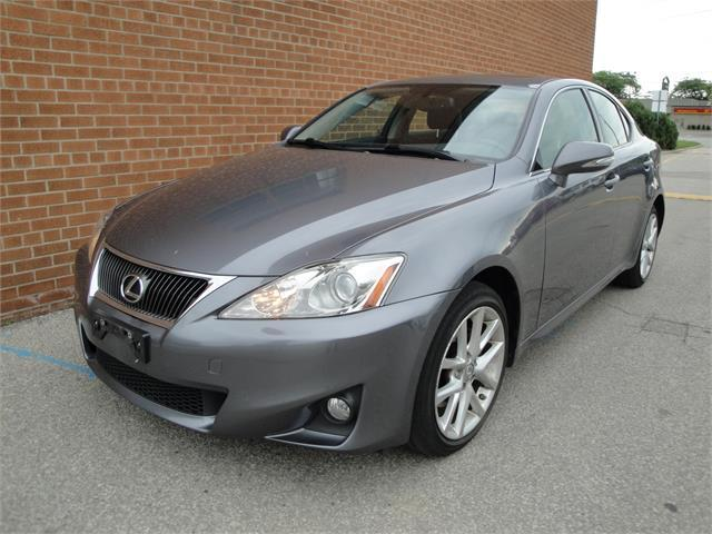 2013 Lexus IS 250 AWD/NO ACCIDENTS 76.5K KM / BLUETOOTH /LEATHER