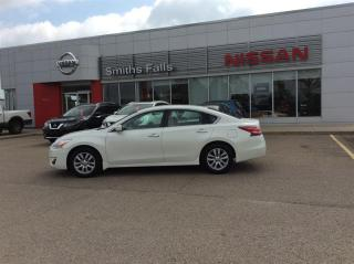 Used 2013 Nissan Altima Sedan 2.5 CVT for sale in Smiths Falls, ON