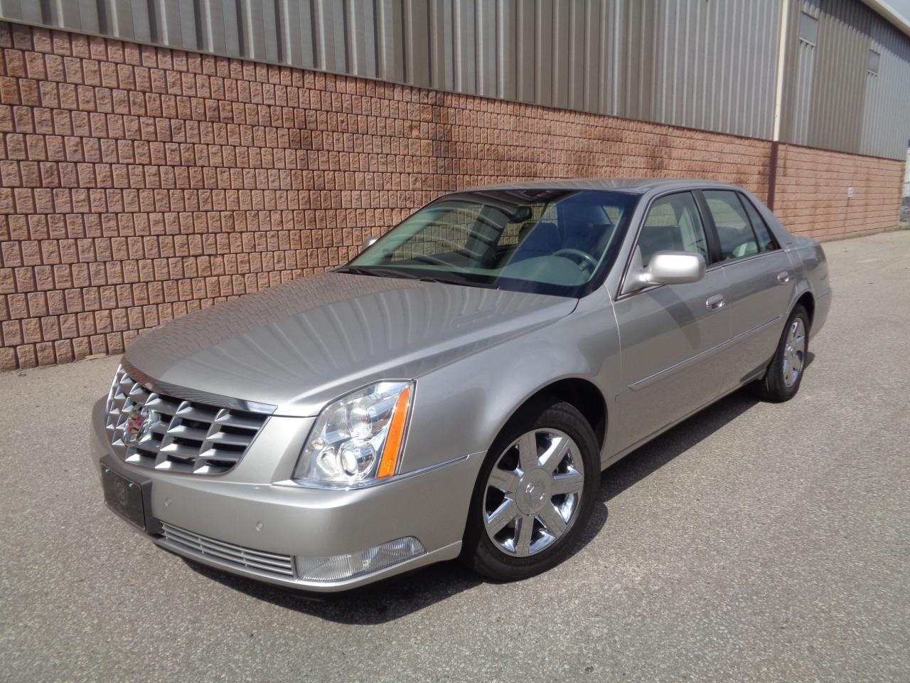 Photo of Silver 2007 Cadillac DTS