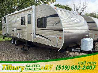 New 2019 Forest River SHASTA OASIS 31OK FREE GENERATOR. Outdoor Kitchen. Bunk House. for sale in Tilbury, ON