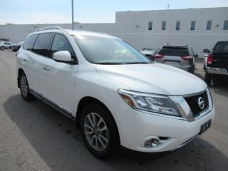 Used 2015 Nissan Pathfinder SL for sale in Toronto, ON