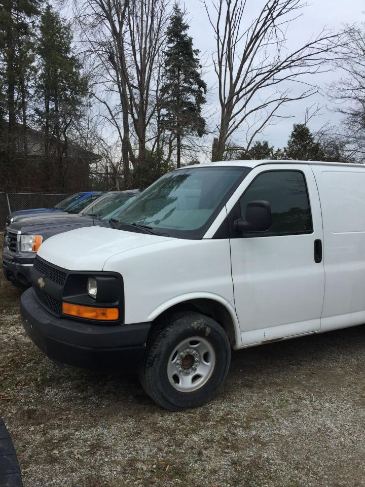 Photo of White 2011 Chevrolet Express 2500