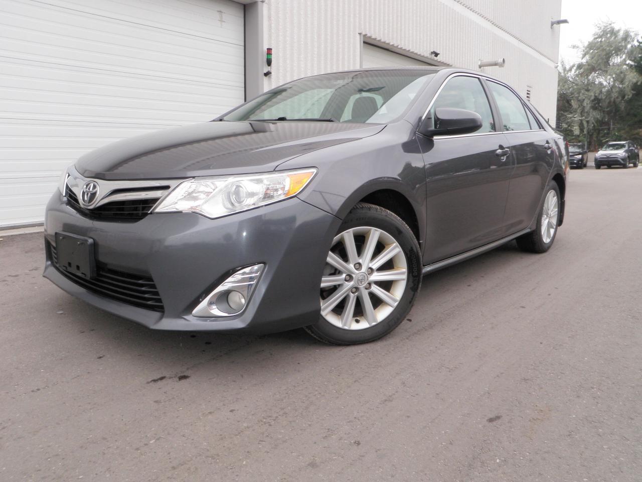 Photo of Grey 2013 Toyota Camry