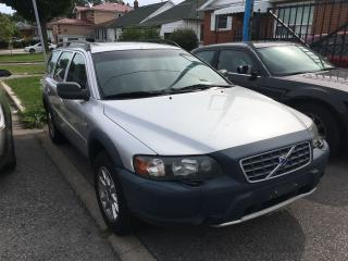Used 2004 Volvo XC70 2.5 T AWD for sale in Toronto, ON