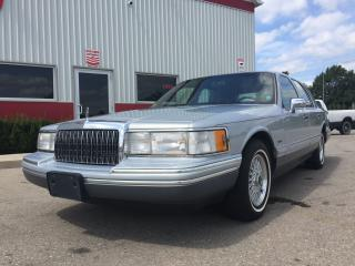 Used 1994 Lincoln Town Car SIGNATURE for sale in Tillsonburg, ON