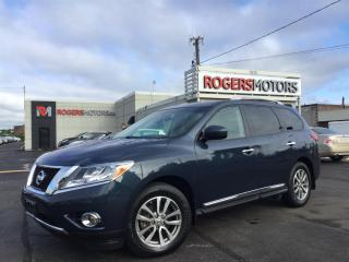 Used 2015 Nissan Pathfinder SL 4WD - NAVI - 7 PASS - PANO ROOF for sale in Oakville, ON