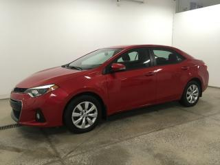 Used 2015 Toyota Corolla for sale in St-hubert, QC