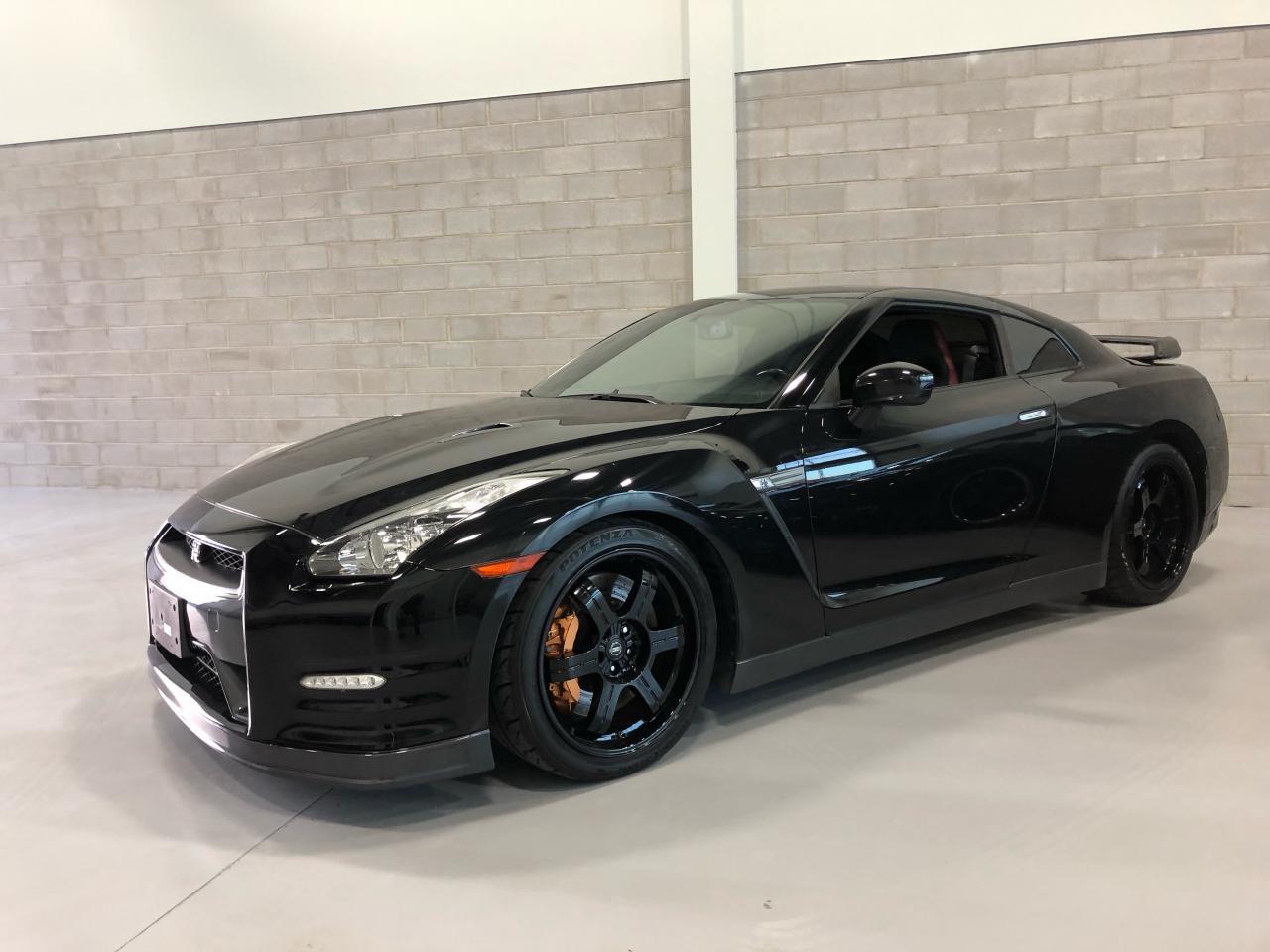 Photo of Black 2013 Nissan GT-R BLACK EDITION