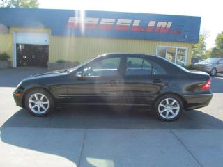 Used 2005 Mercedes-Benz C-Class 2,6 L for sale in Quebec, QC