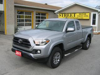 Used 2017 Toyota Tacoma SR5 Ext Cab 4x4 for sale in Smiths Falls, ON