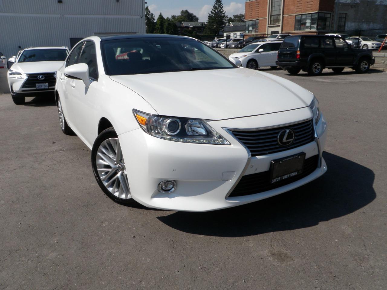 Photo of White 2014 Lexus ES 350