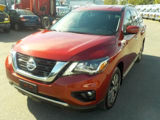 Used 2017 Nissan Pathfinder SV 4WD 3rd row seating for sale in Burnaby, BC