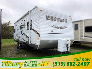 Used 2011 Forest River Wildwood 26TBSS 3 man BUNK HOUSE!!! Back up camera for sale in Tilbury, ON