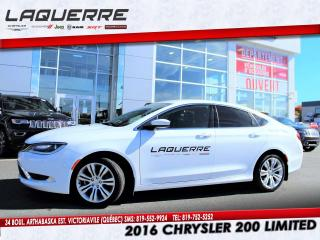 Used 2016 Chrysler 200 LTD for sale in Victoriaville, QC