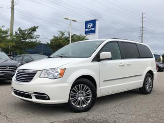 Used 2013 Chrysler Town & Country Limited Wagon for sale in Barrie, ON