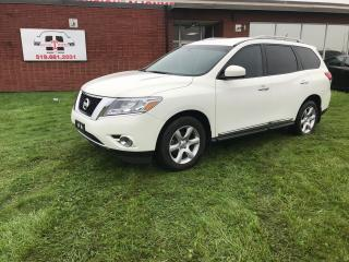 Used 2014 Nissan Pathfinder SL for sale in London, ON