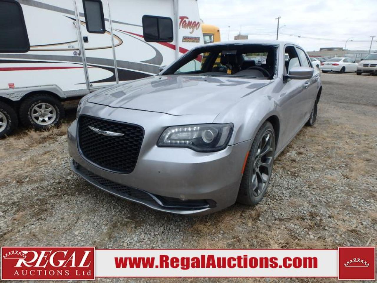 Photo of Grey 2016 Chrysler 300