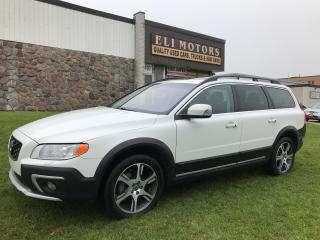 Used 2015 Volvo XC70 T6 Premier Plus. AWD. Rear View Camera. Bluetooth. for sale in North York, ON