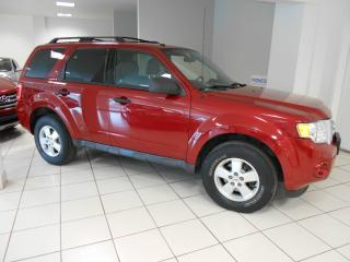 Used 2010 Ford Escape 4 portes, 4 RM, V6 XLT**BAS KM,HITCH,UN for sale in Montréal, QC