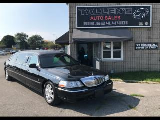 Used 2011 Lincoln Town Car Executive Limousine for sale in Kingston, ON
