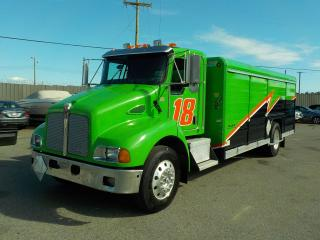 Used 2008 Kenworth T300 Dually Cube Van Diesel Transport Delivery Truck Air Brakes 20.5 feet for sale in Burnaby, BC