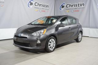 Used 2012 Toyota Prius c Hybride Hybride for sale in Montréal, QC