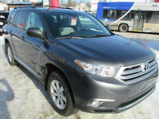 Used 2011 Toyota Highlander V6 AWD **TRÈS BAS KM ! ** for sale in Charlesbourg, QC
