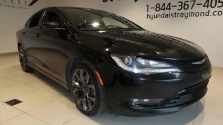 Used 2015 Chrysler 200 S berline 4 portes INTÉGRALE, TOIT, CUIR for sale in St-Raymond, QC