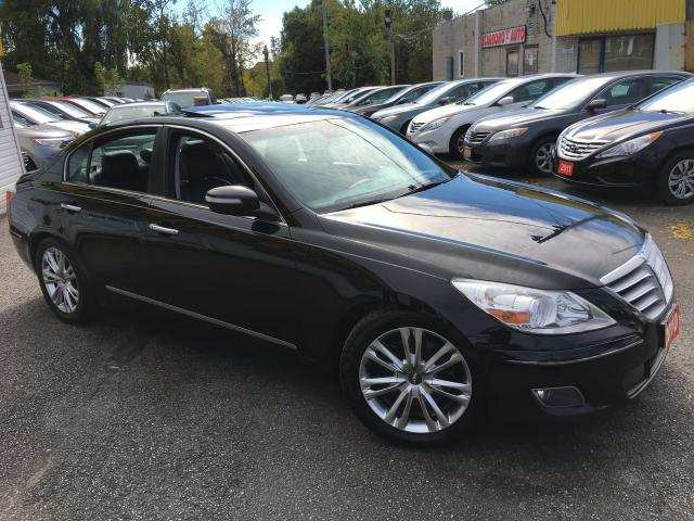 2010 Hyundai Genesis TECH PKG/ NAVI/ REVERSE CAMERA/ LEATHER/ SUNROOF