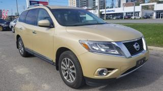 Used 2013 Nissan Pathfinder SL, 7 Pass , Leather, Mint Condition for sale in Toronto, ON