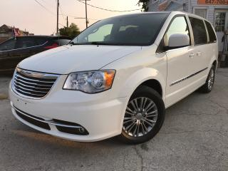 Used 2013 Chrysler Town & Country Touring-L|Leather|Rear Camera||Bluetooth| for sale in Burlington, ON