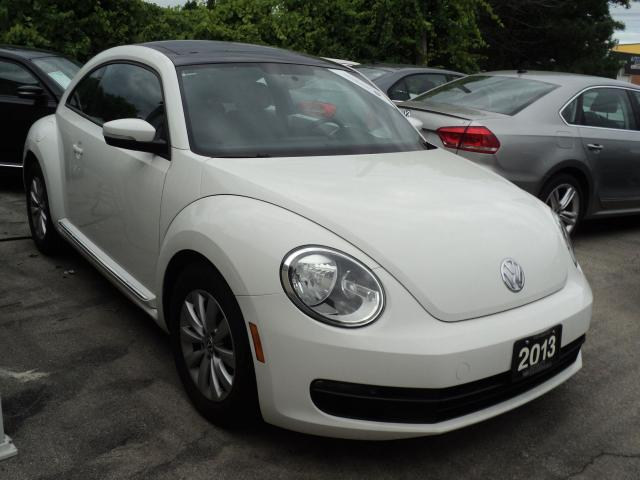 2013 Volkswagen Beetle PANORAMIC SUN ROOF