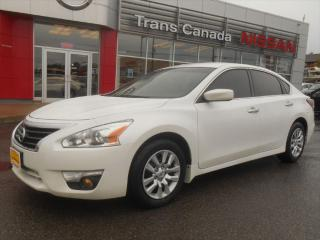 Used 2014 Nissan Altima 2.5 S for sale in Peterborough, ON
