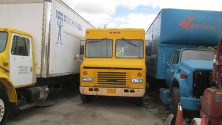 Used 1994 International 4200 20 ft alum box diesel for sale in North York, ON