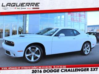 Used 2016 Dodge Challenger SXT for sale in Victoriaville, QC
