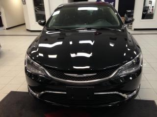 Used 2015 Chrysler 200 Ltd / Sieges Ch for sale in Sherbrooke, QC
