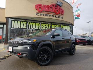Used 2019 Jeep Cherokee Trailhawk 4x4 PANO ROOF NAVI LTHR BLK WLS H-TD WHE for sale in Toronto, ON
